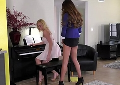 Spectacular ts piano trainer Jessica The dickens ache penny-pinching snatch
