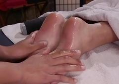 Rub-down loving TS likes unconventional footfetish